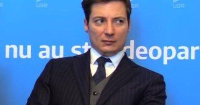 FARA PRECEDENT! Caramitru, VAL de JIGNIRI grotești la adresa votanților PSD: Sunt prosti de bubuie și nu știu sa facă nimic