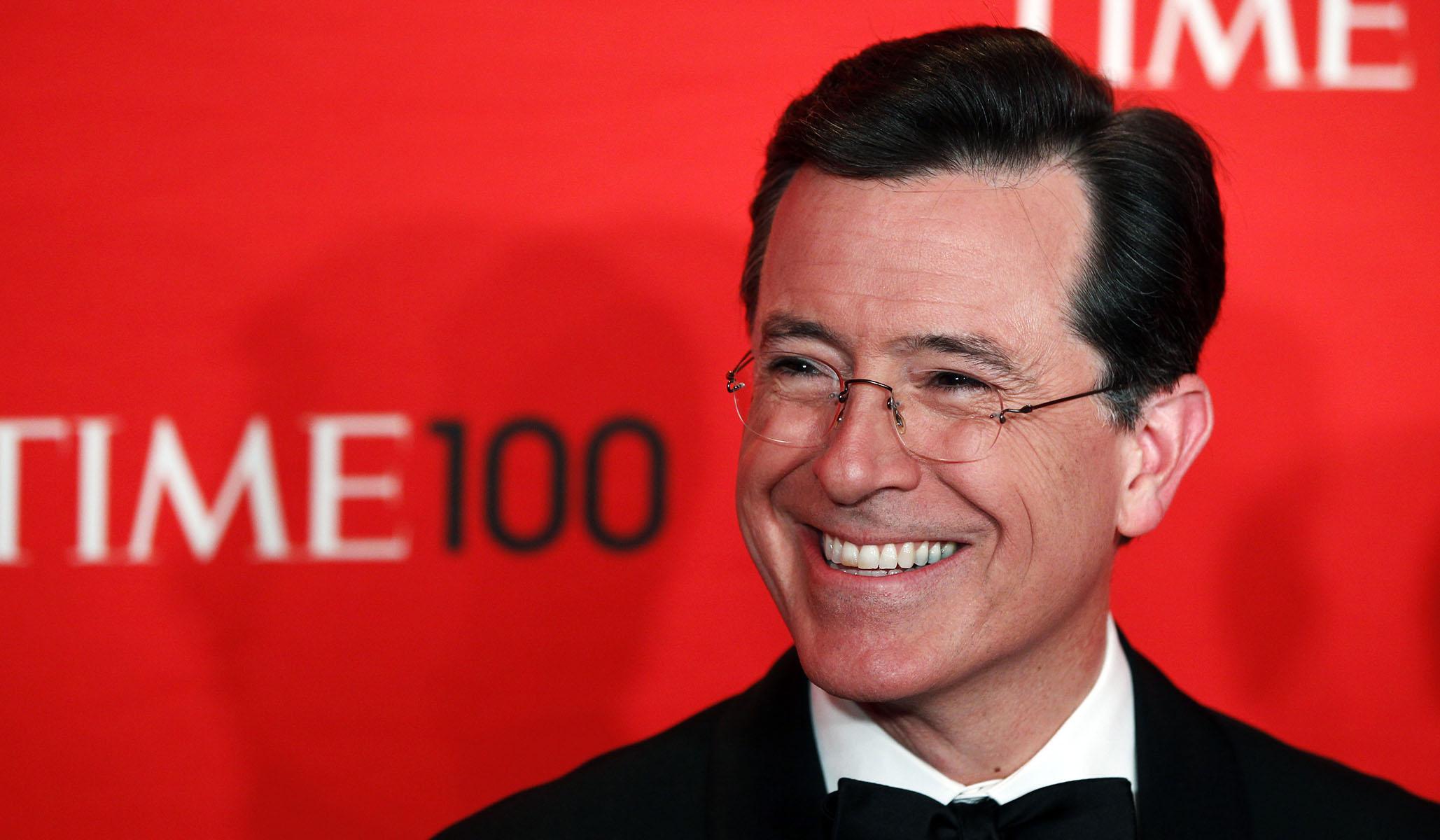 Stephen Colbert Mocks Warren's Refusal to Admit She Will Raise Taxes