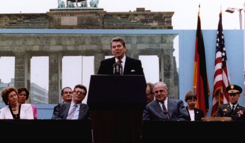 Three Days In Moscow Ronald Reagan And The Fall Of The Soviet
