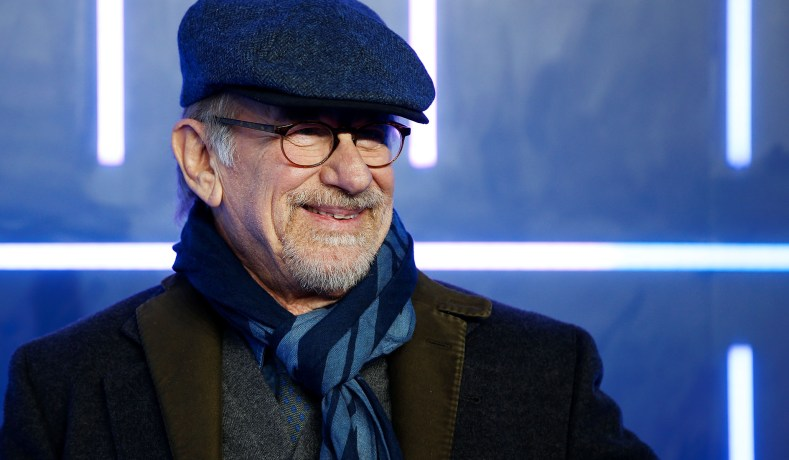f680fc9d9f3 Steven Spielberg   Netflix — Director Challenges Streaming Services ...