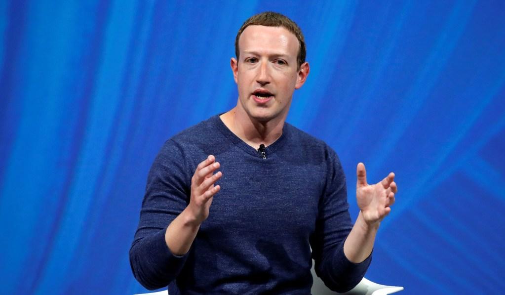 Zuckerberg, Dorsey Spar over Twitter's Trump Fact-Check