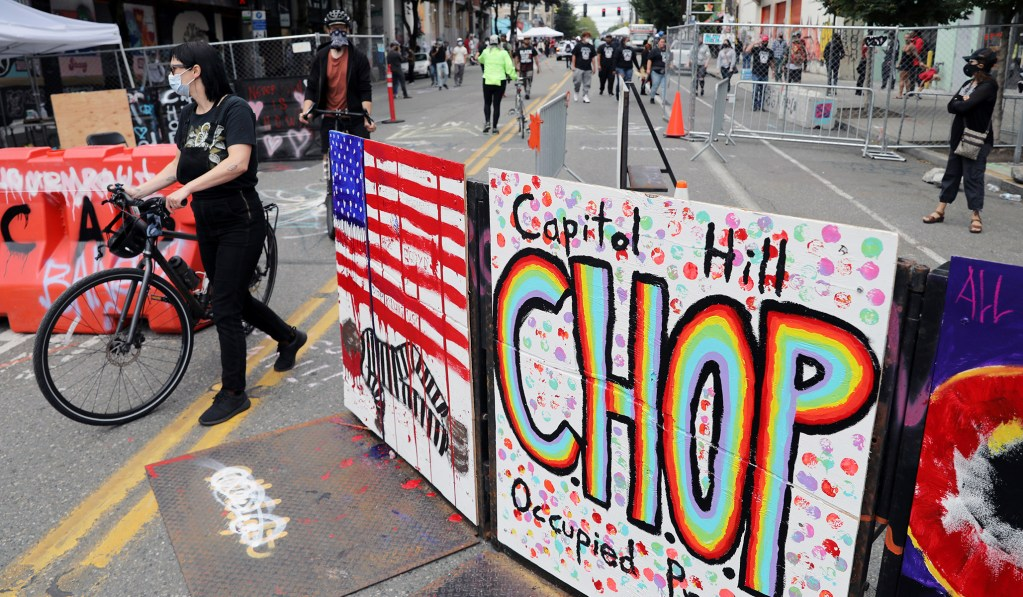 Seattle Autonomous Zone Begins to Disband as Protesters Leave the Area