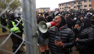 Judge: Minnesota Officers Can't Arrest, Use Force against Reporters Covering Daunte Wright Protests