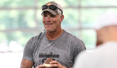 Brett Favre: It's 'Hard to Believe' Derek Chauvin Intentionally Killed George Floyd