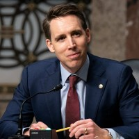 Hawley Proposes New 'Trust-Busting' Initiative