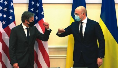 How Biden Can Turn the Tables on Putin