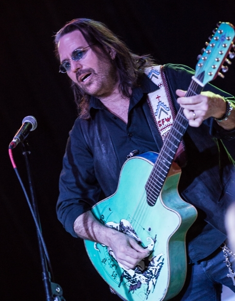 Kip Winger Alone And Unplugged At The Diesel Concert