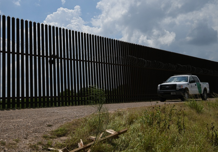 How the AP Slanted Border Coverage to Hide the Crisis