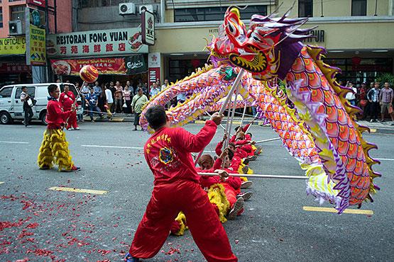 dragon dance chinese customs