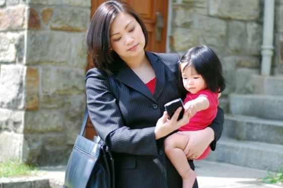 balance motherhood and career