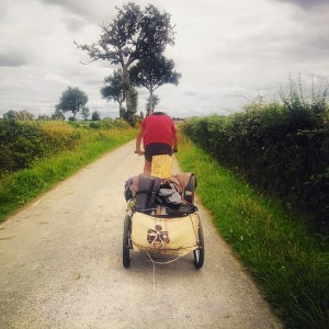 Acheminement des 280 kg de café à vélo importés à la voile depuis la Colombie