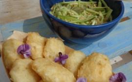 Polpette di riso e pesce bianco e salsa di cetrioli