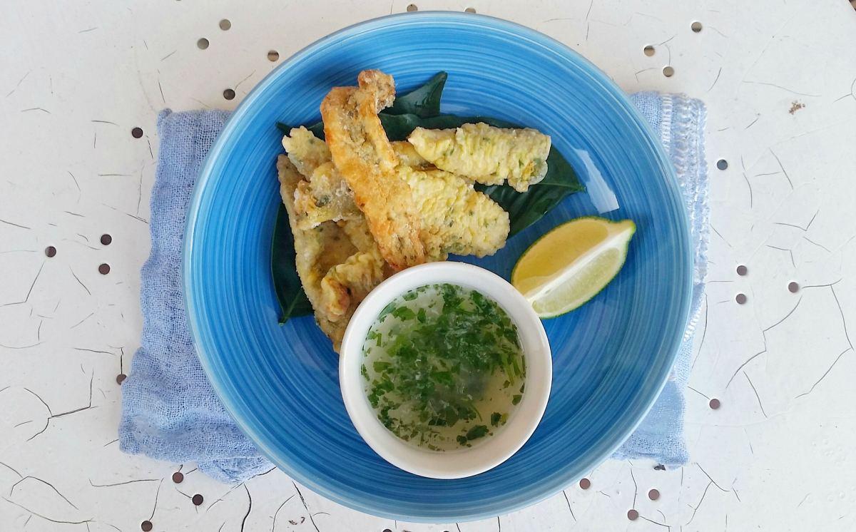 Filetti fritti con salsa al limone