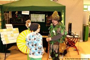 Waldgeist Gästeführer mit Kindern auf der Messe Dresden
