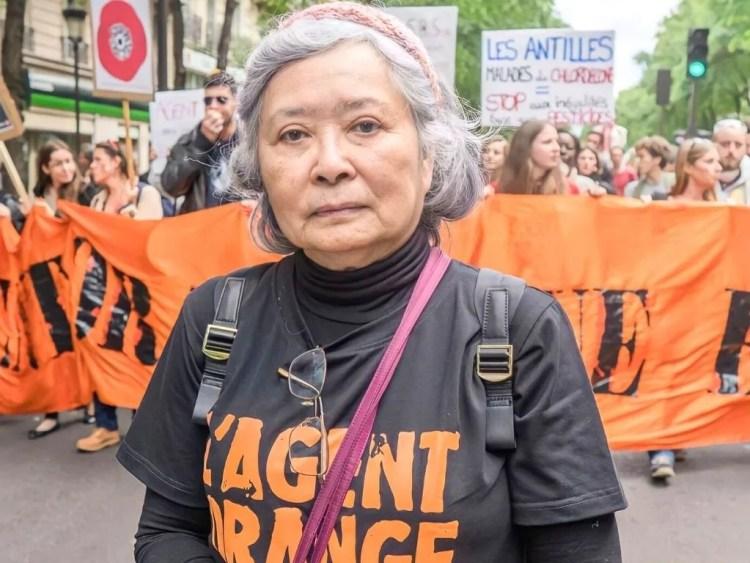 Tran To nga manigeste contre l'agent orange pour demander justice.