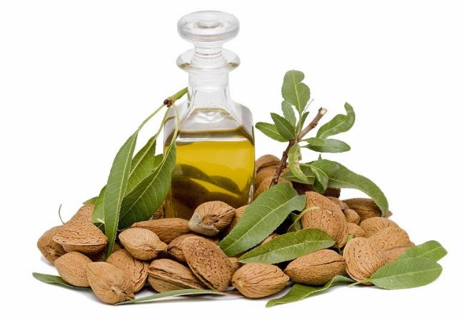 Mix Almond Oil In Your Night Cream