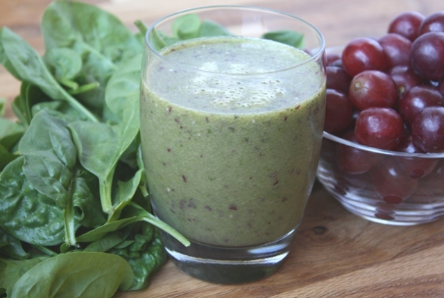 Spinach And Grapes Smoothie
