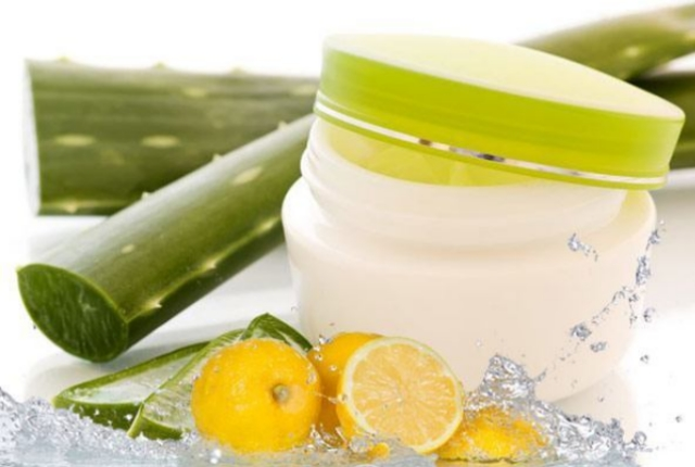 Aloe-Vera And Lime Juice Pack