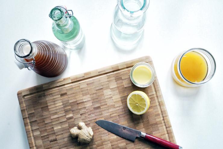 Ingwerspritz - Kombucha mit Ingwer und Zitrone - Scharfer Liebling im Glas - die Zitrone