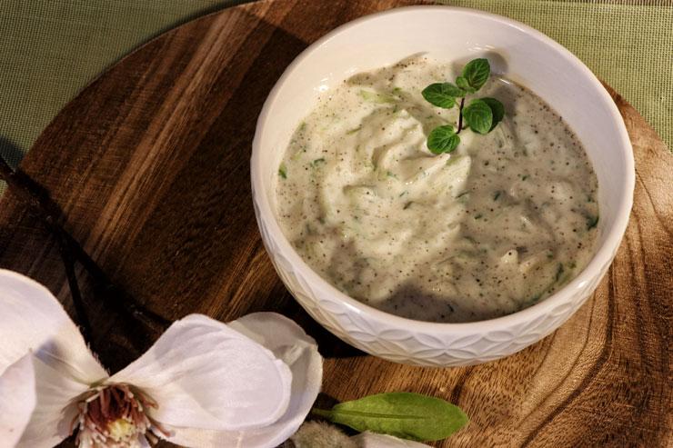 Kefir Tsatsiki – eine leckere griechische Spezialität kombiniert mit selbstgemachtem Milchkefir - Titelbild