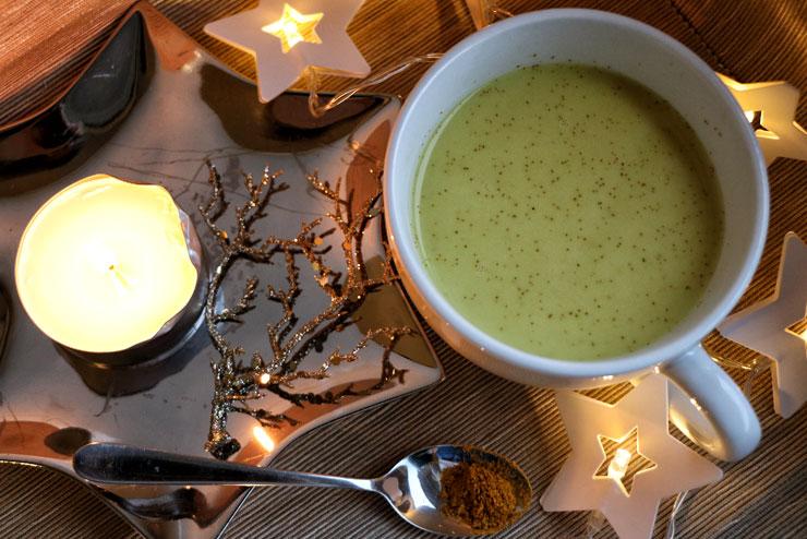 Turmeric latte with milk kefir – the golden milk for cold days - golden milk