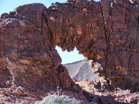 Gavilan Wash Arch, near Hag's Tooth Arch, California
