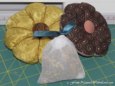 Holiday Projects: Herbal Sachets