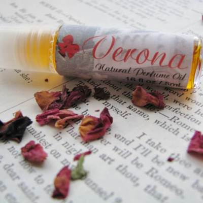 Blending Handmade Perfume Oils