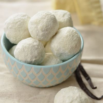 White Chocolate & Vanilla Bean Bath Truffles