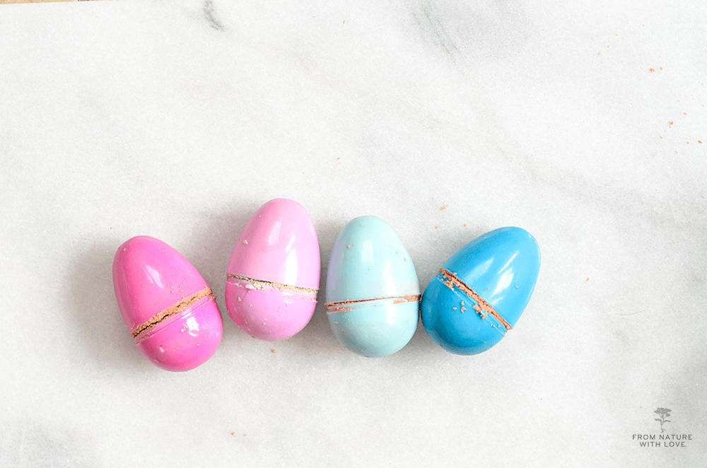 Make Your Own Easter Egg Bath Bombs