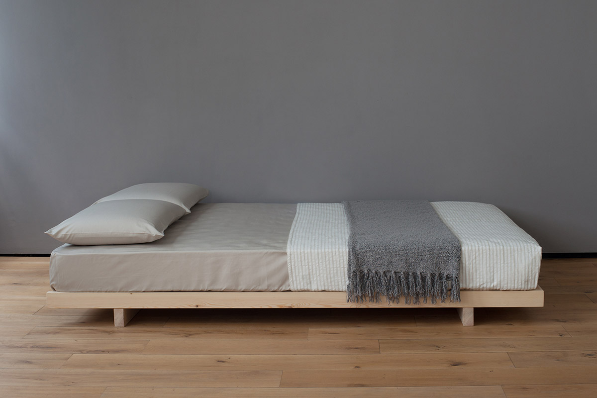 sofa bed mattress toppers black uk kobe | low solid wood natural company