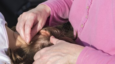 How to Get Rid of Head Lice - Treatment and Remedies