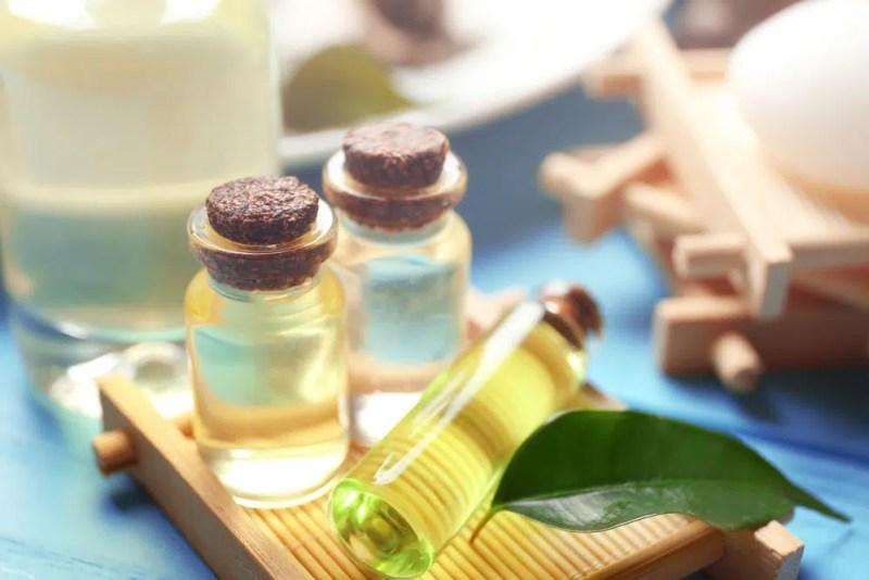 13 Amazing Health Benefits of Tea Tree Oil