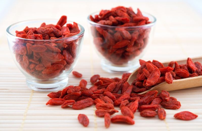 11 Amazing Benefits of Goji Berry or Wolfberry