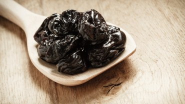 11 Amazing Benefits of Prunes