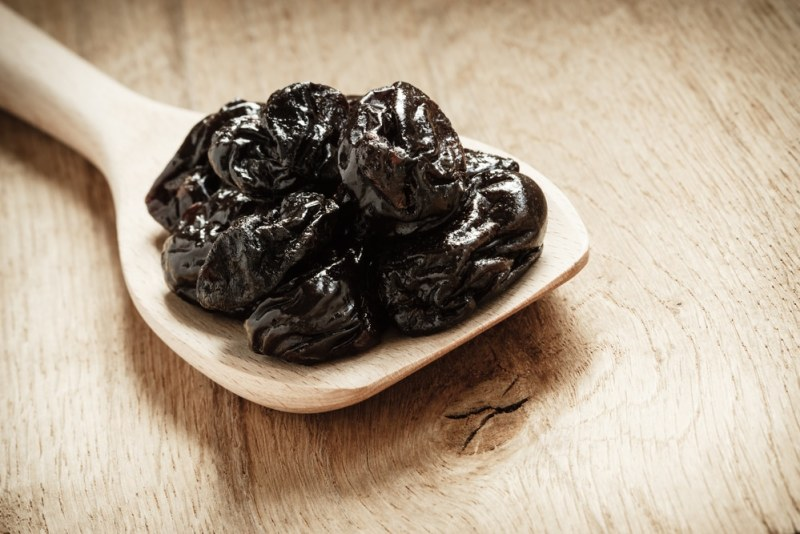 11 Amazing Benefits of Prunes