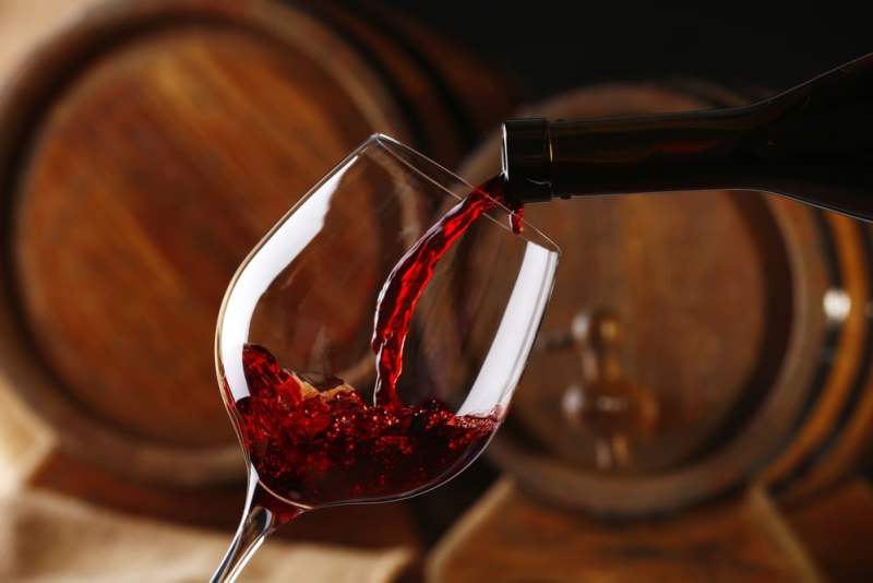 14 Surprising Health Benefits Of Wine