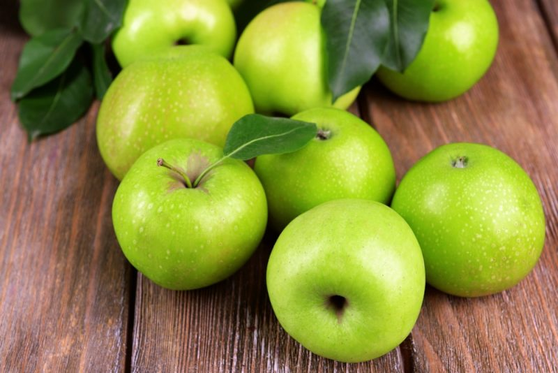 11 Amazing Health Benefits of Eating Green Apples during Pregnancy