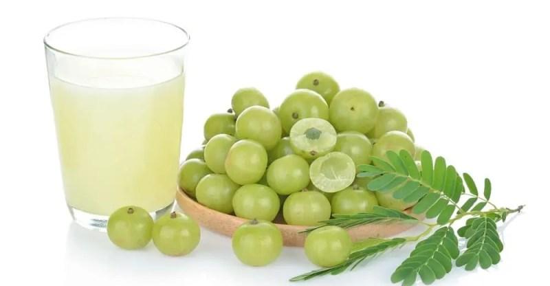 11 Amazing Benefits of Amla Juice (Indian Gooseberry)
