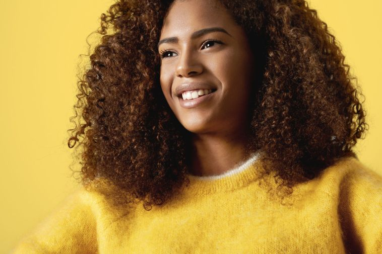 To keep hair moisturized, protected and beautiful, you will need to change up your wash day routine during the colder and drier months. Check out our tips!