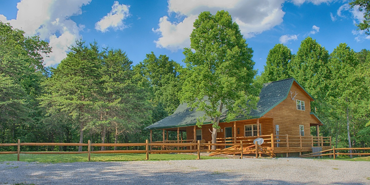 average size of a sofa backamo 3 seater cover autumn leaf cabins - hocking hills cottages and