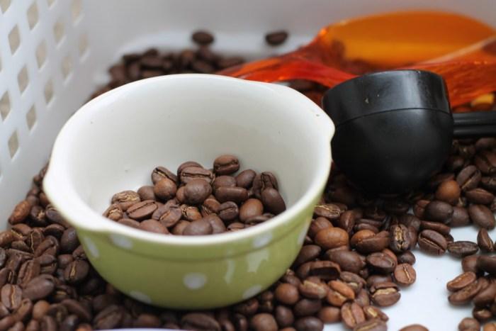 sensory box - coffee beans - cup
