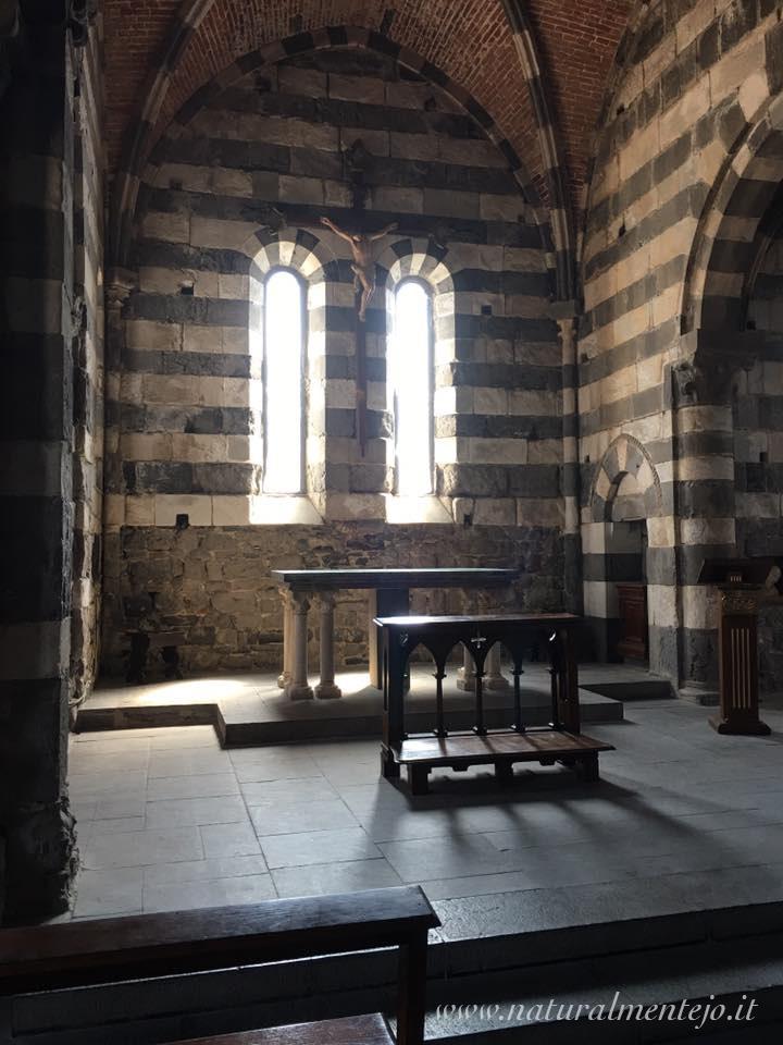 altare chiesa portovenere