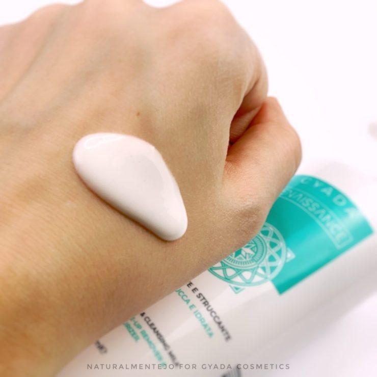 latte detergente e struccante gyada cosmetics - texture