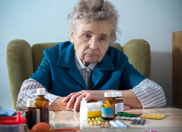 """Image: Many cases of """"dementia"""" are actually side effects of prescription drugs or vaccines, according to research"""