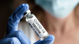 画像:ビッグファーマのコロナウイルスワクチンは、善よりも害を及ぼすと、健康の専門家に警告