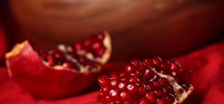 pomegranate-oil-for-hair