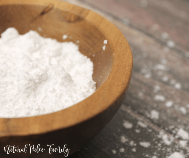 wooden bowl full of low carb keto confectioner's sugar