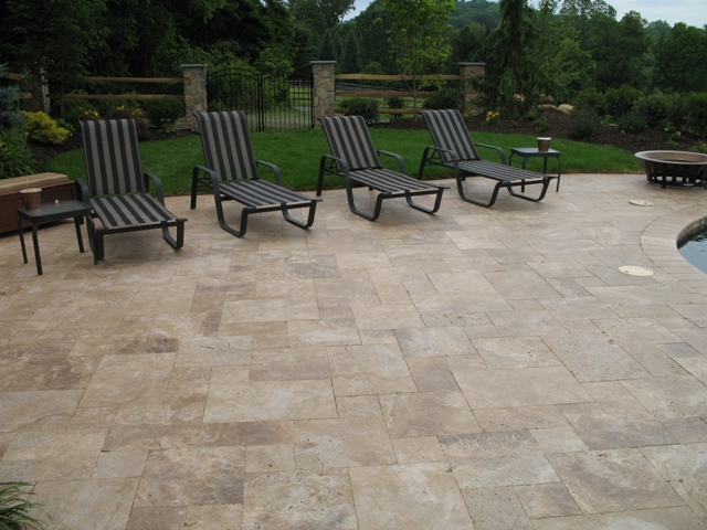 Noche Paver Travertine French Pattern Tumbled