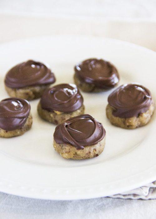 No-Bake Girl Scout Tagalong Cookies